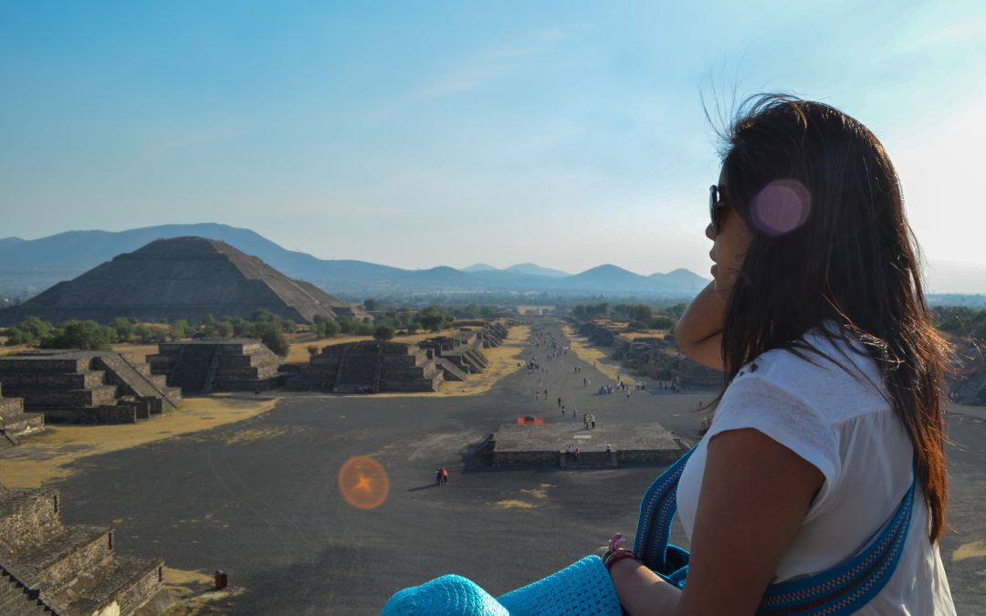 How to get to the Teotihuacan pyramids?